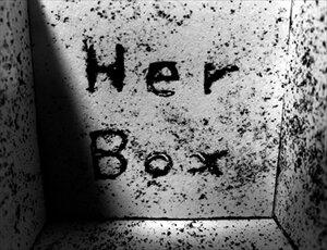 Her Box Game Screen Shot